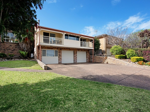 6 Dulungra Avenue Belmont North, NSW 2280
