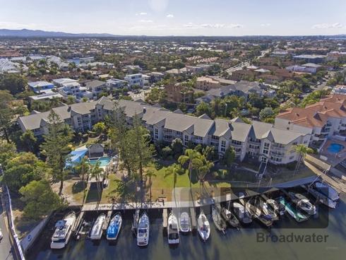7/37 Bayview Street Runaway Bay, QLD 4216