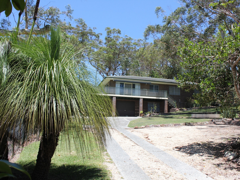 90 Camden Head Road Dunbogan, NSW 2443