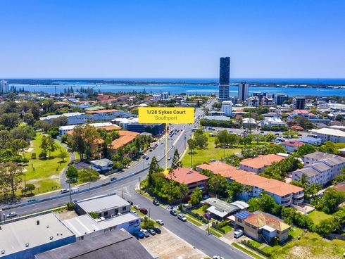 1/28 Sykes Court Southport, QLD 4215