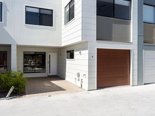 16/24 Careel Close Helensvale , QLD, 4212