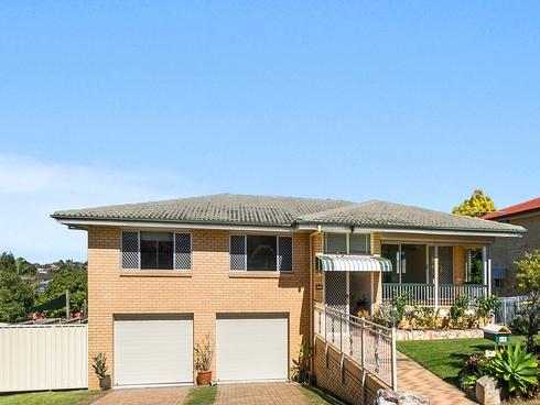 25 Tandanya Street Mansfield, QLD 4122