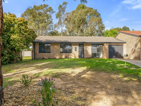 8 Skertchly Place Florey, ACT 2615