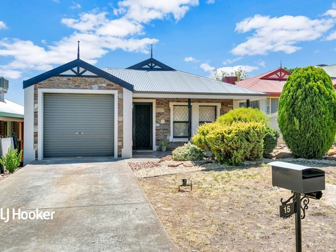 15 Debenham Court Greenwith, SA 5125