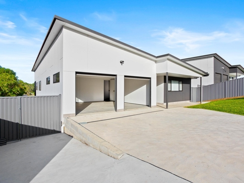 5 Swan Ridge Place Moruya, NSW 2537