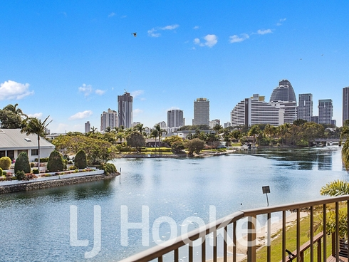 8/49-51 Hooker Boulevard Broadbeach Waters, QLD 4218