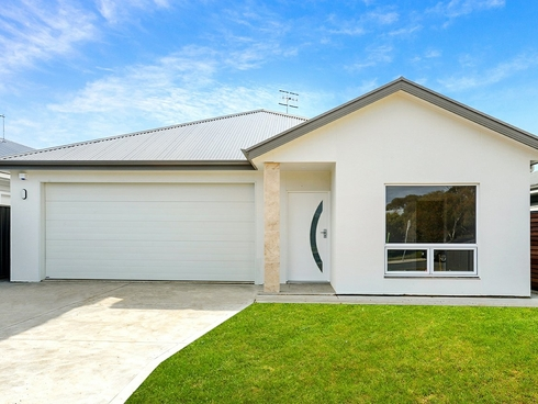 64 Montpelier Terrace Port Elliot, SA 5212