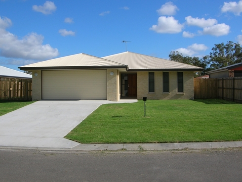 7 Jooloo Court Kin Kora, QLD 4680