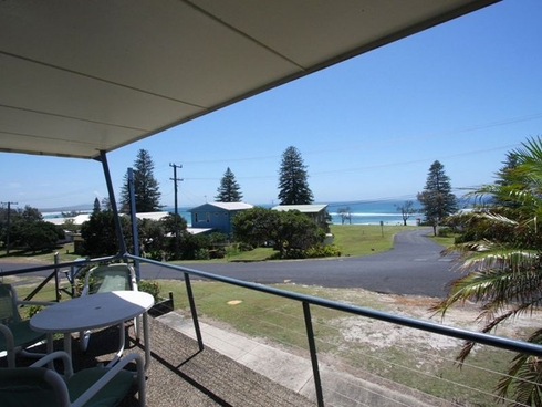 128 Ocean Road Brooms Head, NSW 2463