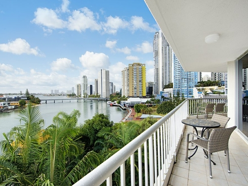 28 63 Cavill Avenue Surfers Paradise, QLD 4217