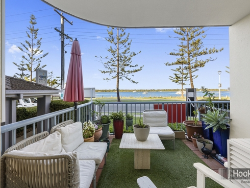 1/416 Marine Parade Biggera Waters, QLD 4216