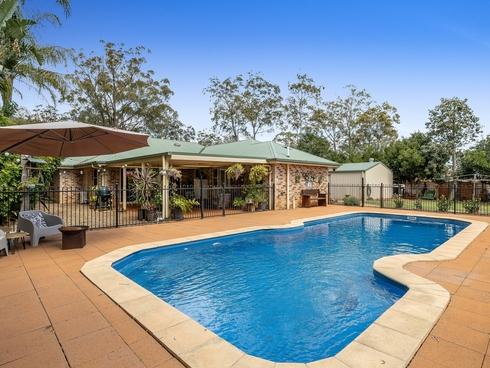 6 Azalea Close Highfields, QLD 4352