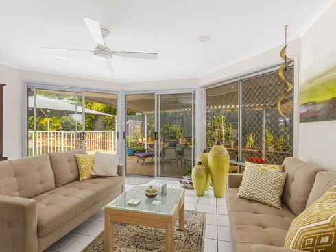 9 Singleton Court Helensvale, QLD 4212