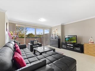 3/92 John Whiteway Drive Gosford, NSW 2250