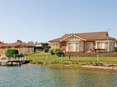17 Cormorant Avenue Sussex Inlet, NSW 2540