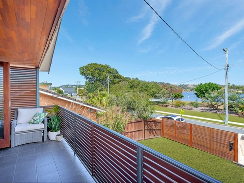 5 Jabiru Avenue Burleigh Waters, QLD 4220