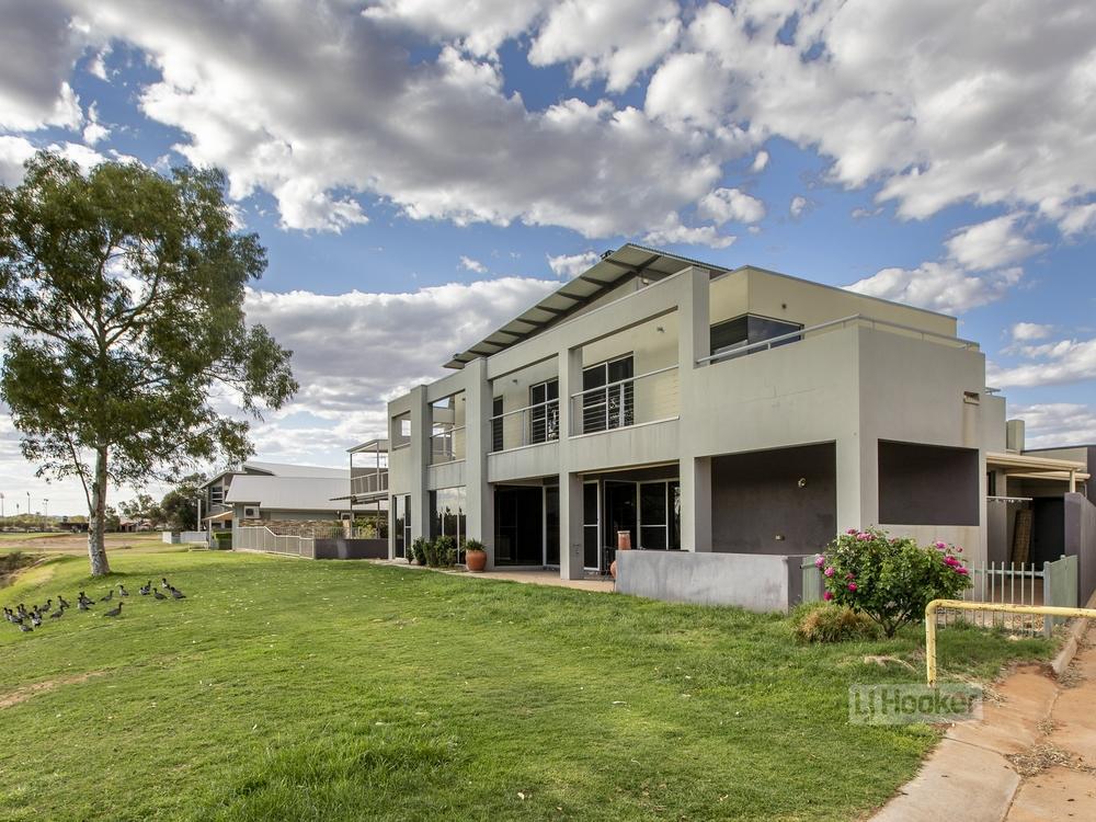 6 Coppock Court Desert Springs, NT 0870