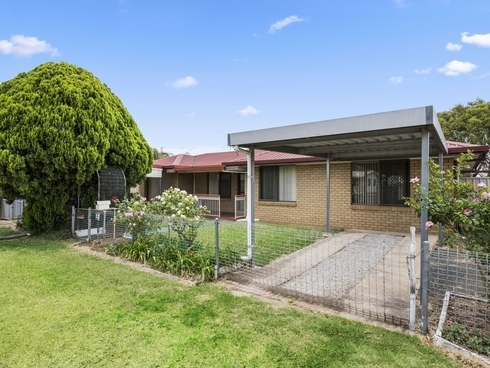 12 Cooper Avenue Oakey, QLD 4401