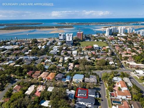 4 Hilltop Street Labrador, QLD 4215