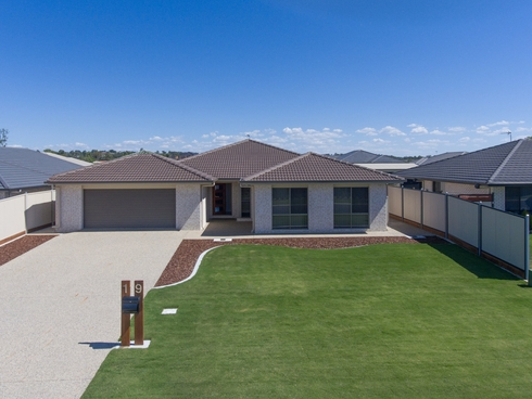 19 Lakeview Avenue Warwick, QLD 4370