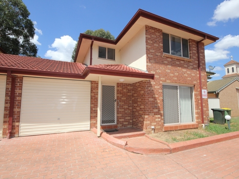 Unit 17/11-15 Greenfield Road Greenfield Park, NSW 2176