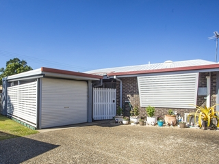 Unit 2/37 Holland St West Mackay , QLD, 4740