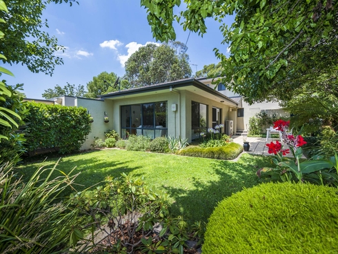 2 Lyle Place Chifley, ACT 2606