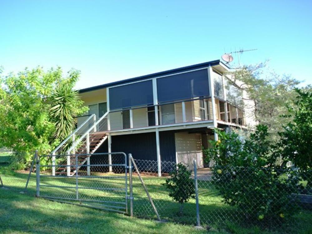23 Blue Waters Crescent Macleay Island, QLD 4184
