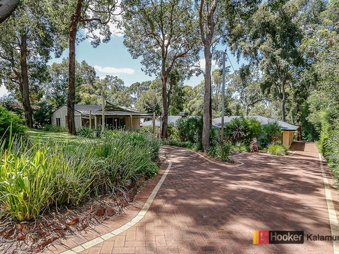 25 Baden Road Bickley, WA 6076
