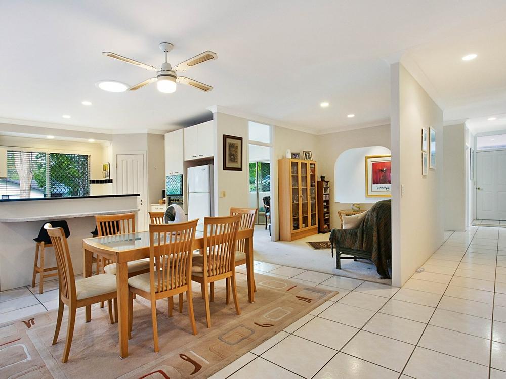 23 Evans Drive Benowa, QLD 4217