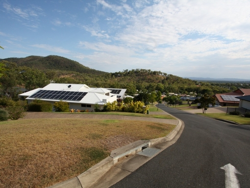 17a Greenwood Close Frenchville, QLD 4701