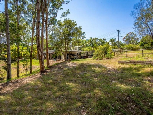 8 Alice Bowden Court Worongary, QLD 4213
